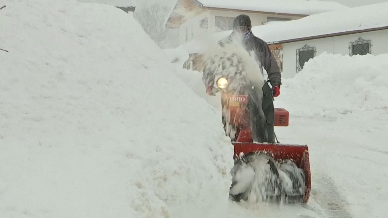 Openbare leven in Zuid-Duitsland ontwricht door sneeuw