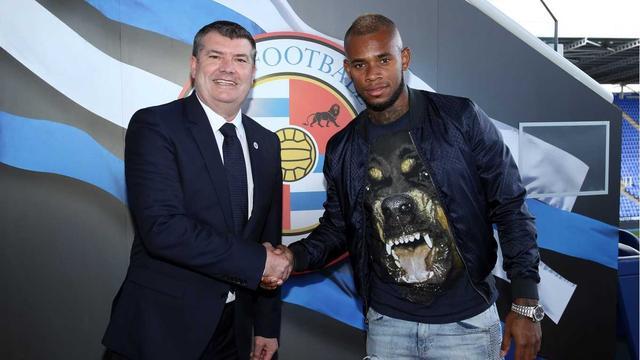 Leandro Bacuna verruilt Aston Villa voor Jaap Stams Reading