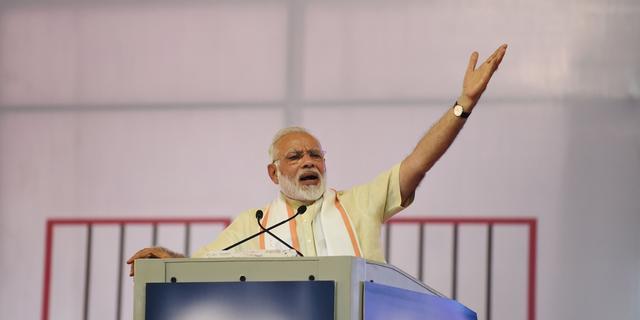 India trekt vergunning honderdduizend bedrijven in bij hervorming belastingen