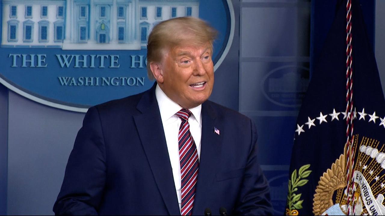 Nieuwszenders onderbreken speech Trump om onjuiste uitspraken