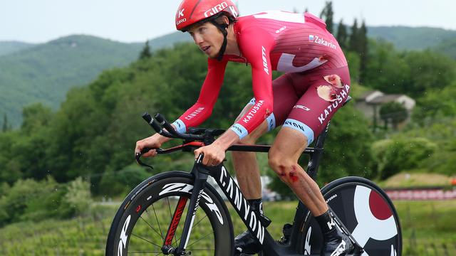 Zakarin loopt aantal blessures op bij valpartijen in Giro