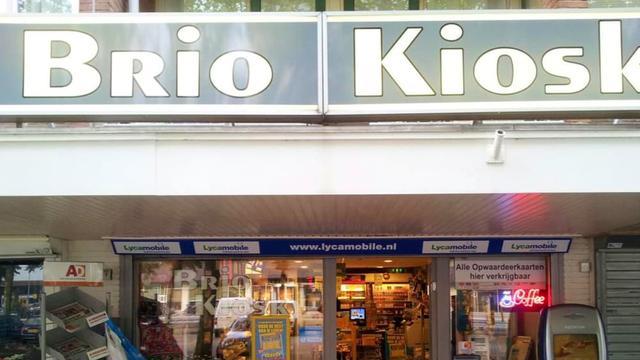 Burgemeester sluit kiosk aan de Tiberdreef