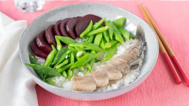 Hollandse sushibowl: Zo maak je het met maar vijf ingrediënten