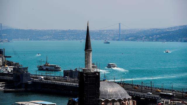 Plankton zorgt voor turquoise water in Bosporus