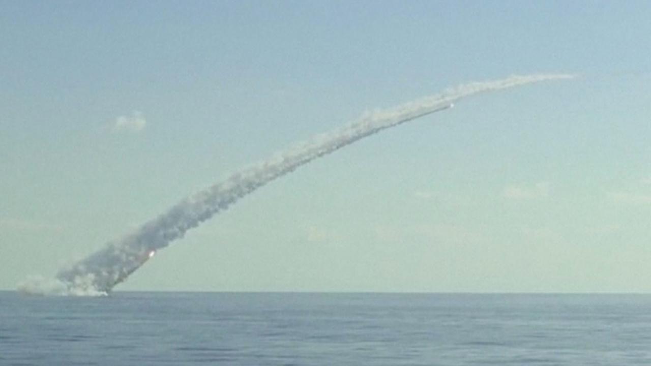 Russische onderzeeërs bestoken IS-doelen ter ondersteuning van Syrische leger