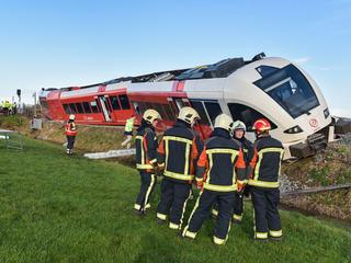 Passagierstrein kwam in botsing met melkwagen