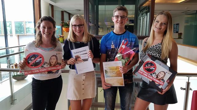 Leerlingen Etten-Leur winnen prijs met werkstuk over cyberpesten