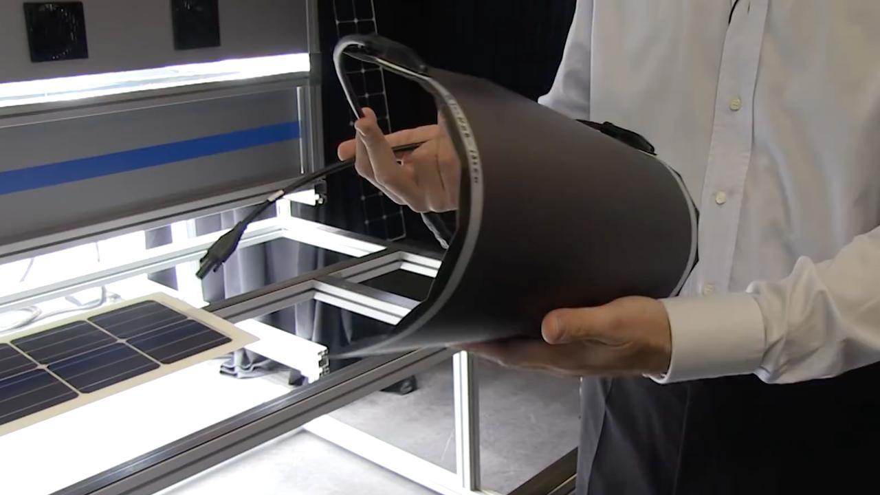Deze flexibele zonnecellen kunnen verwerkt worden in je rugzak of paraplu