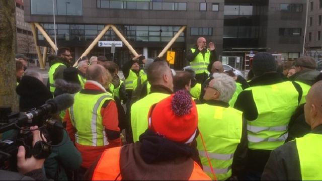 Aantal Rotterdamse Gele Hesjes-demonstranten loopt op tot ongeveer 200