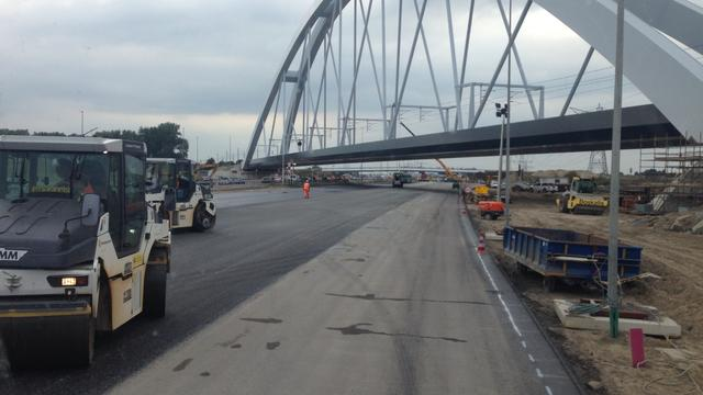 Verkeer tussen Muiderberg en Diemen vanaf maandag over nieuwe A1