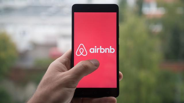 Airbnb geschorst als lid van economisch adviesorgaan Amsterdam