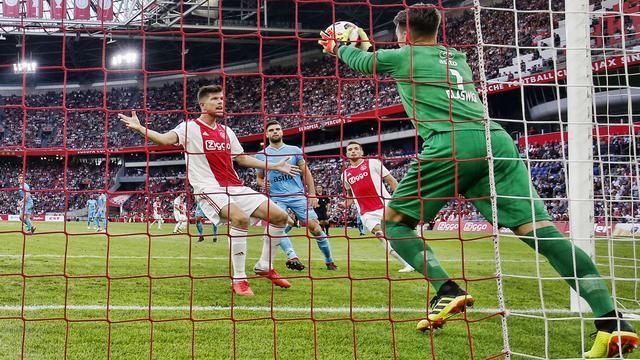 Huntelaar noemt zwak optreden Ajax tegen Heracles 'enorme domper'
