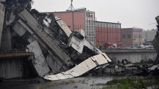 De ramp met de Morandi-brug in Genua