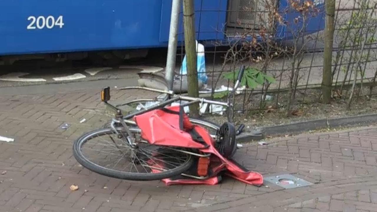 Gewonde bij aanrijding met tram in Amsterdam-Oost