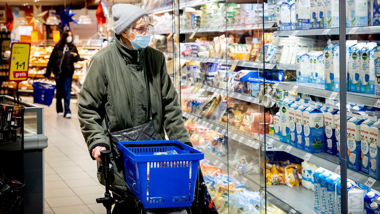 Schappen in supermarkten blijven ondanks winterweer goedgevuld - NU.nl