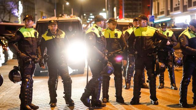 Cel- en taakstraffen geëist voor rel bij Turks consulaat Rotterdam