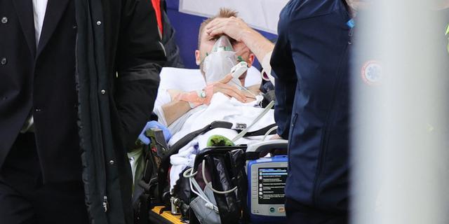 Eriksen in stabiele toestand na reanimatie tijdens EK-duel Denemarken-Finland