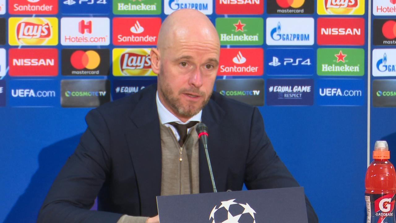Ten Hag: 'Natuurlijk krijgen spelers onrust op tribune mee'