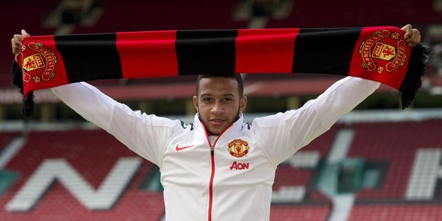 Depay officieel gepresenteerd bij Manchester United