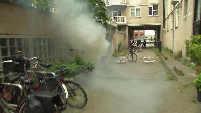 Cameraploeg SBS aangevallen met vuurwerkbom op plaats schietpartij