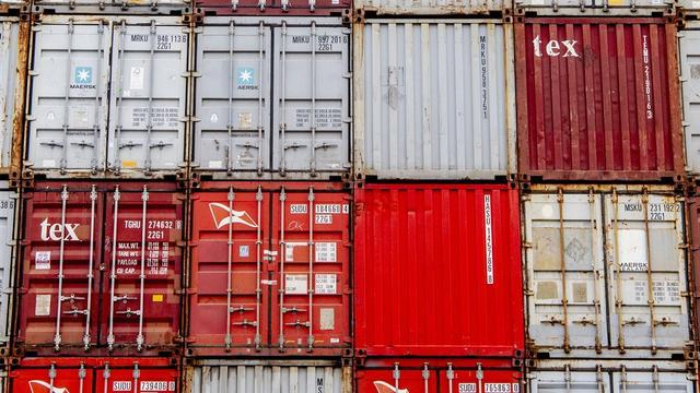 OM eist achttien maanden cel voor vervalsen pas Rotterdams havenbedrijf