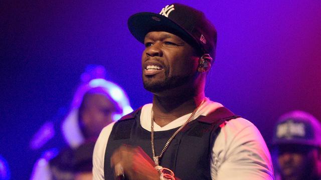 'Failliete' rapper 50 Cent gebruikte nepgeld voor foto's
