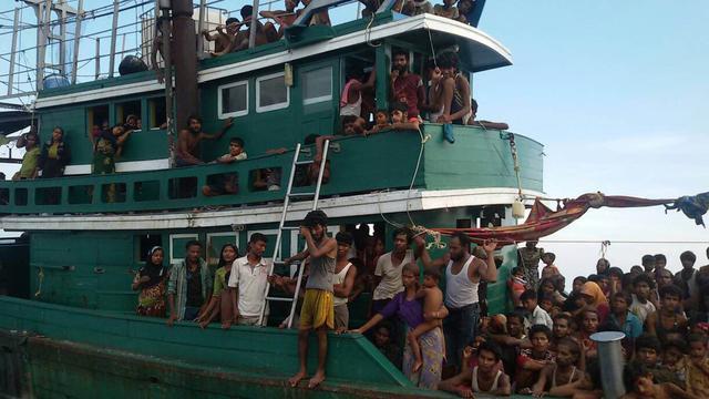 Myanmar houdt migrantenboot nog steeds vast