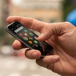 Palm keert terug met kleine Android-telefoon 'voor erbij'