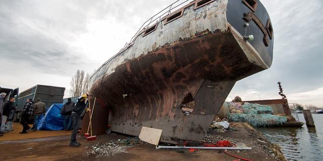 Duikvereniging laat scheepswrak zinken in Zegerplas