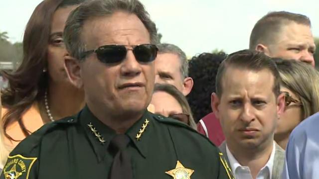 Sheriff Florida: Meer macht voor politie na massamoord op school