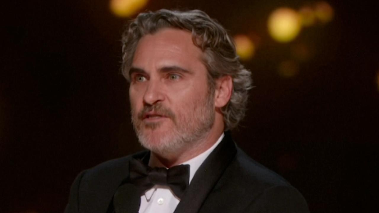 Joker-acteur Phoenix citeert overleden broer bij Oscars