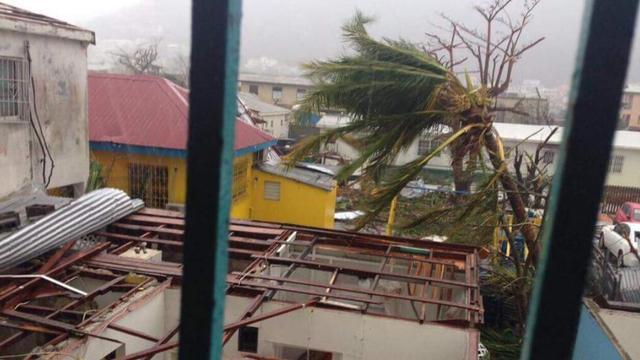 Orkaan Irma richt 'enorme' schade aan op Sint Maarten