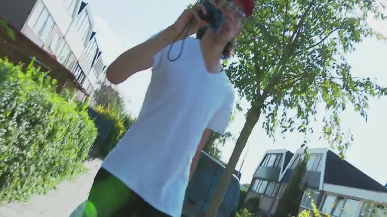 Cameraploeg Hart van Nederland van straat weggejaagd in Zaandam