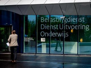 Ruim vijftig flexkrachten zouden straks niet meer voor DUO mogen werken