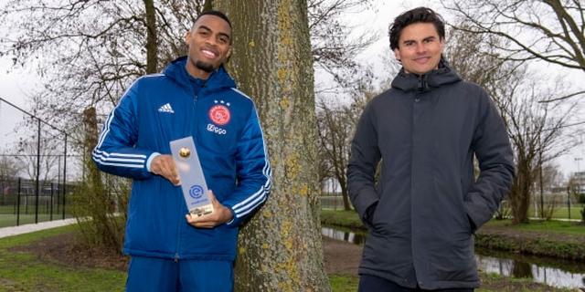 Ajax-middenvelder Gravenberch uitgeroepen tot Speler van de Maand