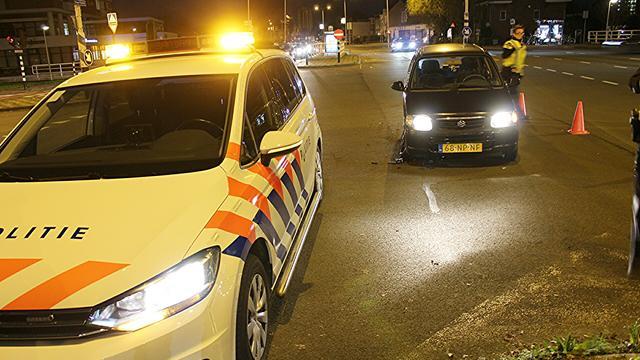 Veel materiële schade bij aanrijding op Hoge Rijndijk