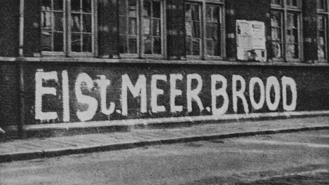 1945: De hongerwinter duurt tot ver in 1945.