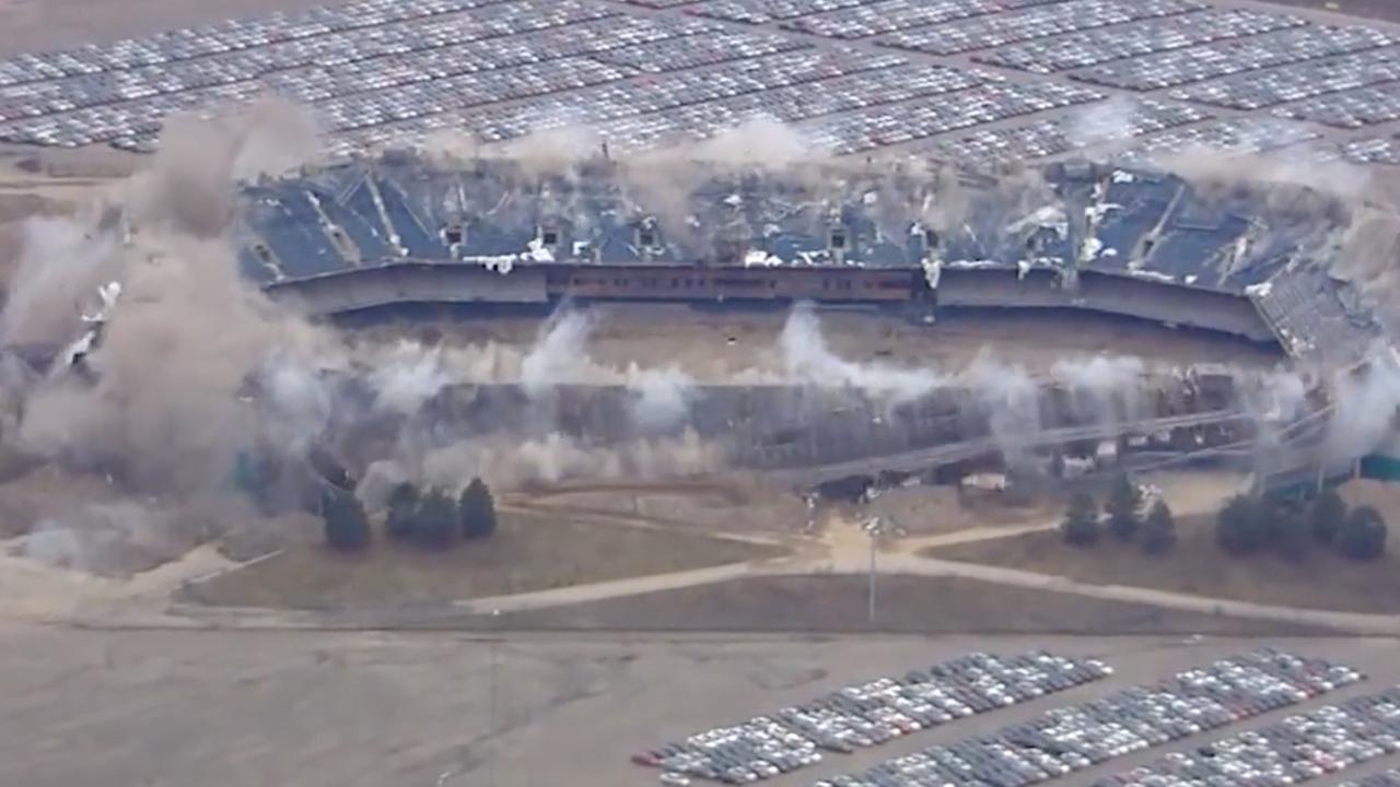 Stadion Michigan na tweede slooppoging alsnog tegen de vlakte