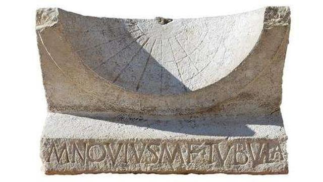 Tweeduizend jaar oude zonnewijzer opgegraven in Italië