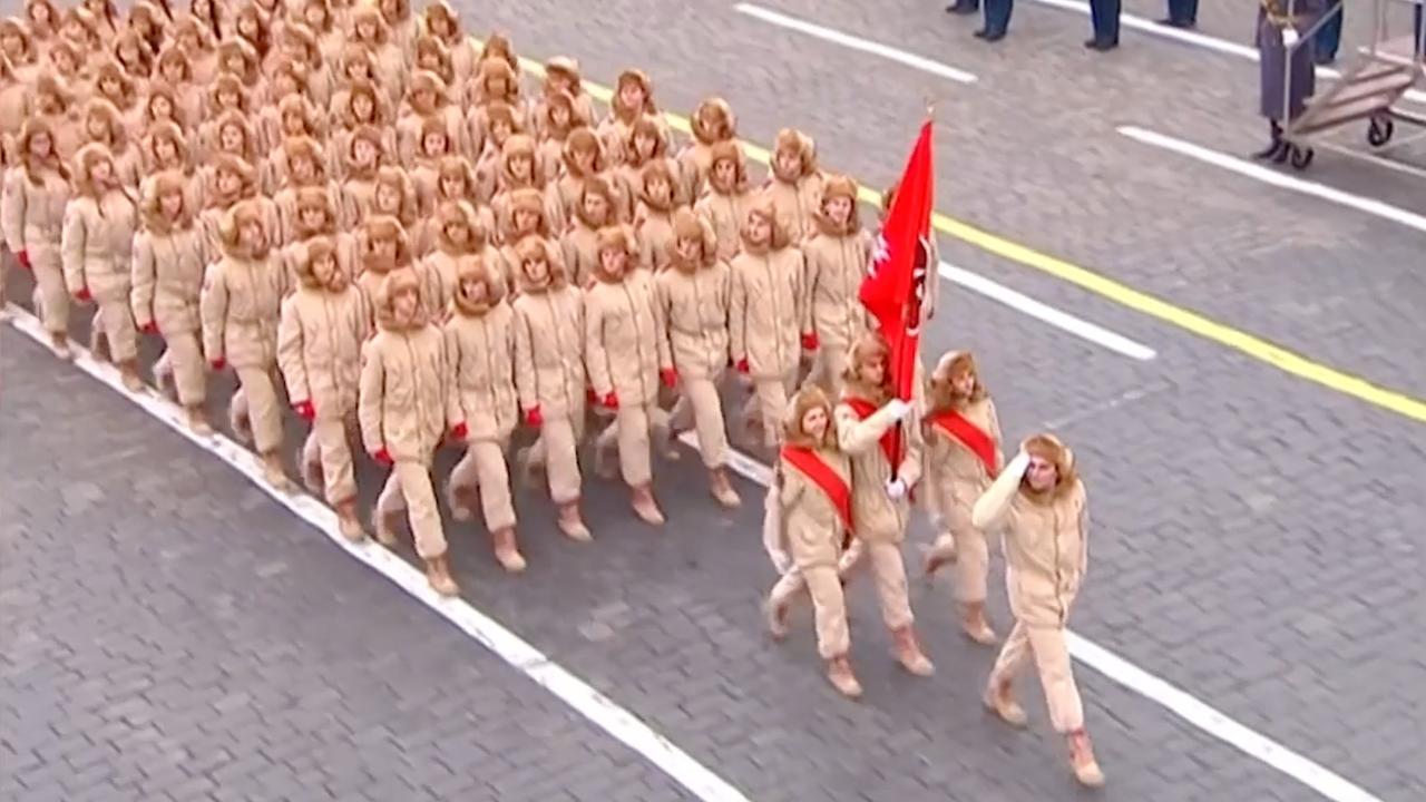 Rusland bootst parade uit 1941 voorafgaand aan slag met nazi's na