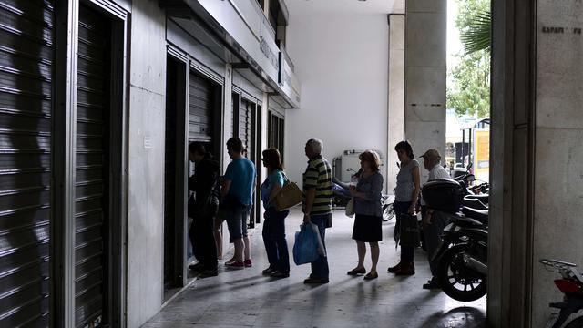 'Grieken houden crisisoverleg over banken'