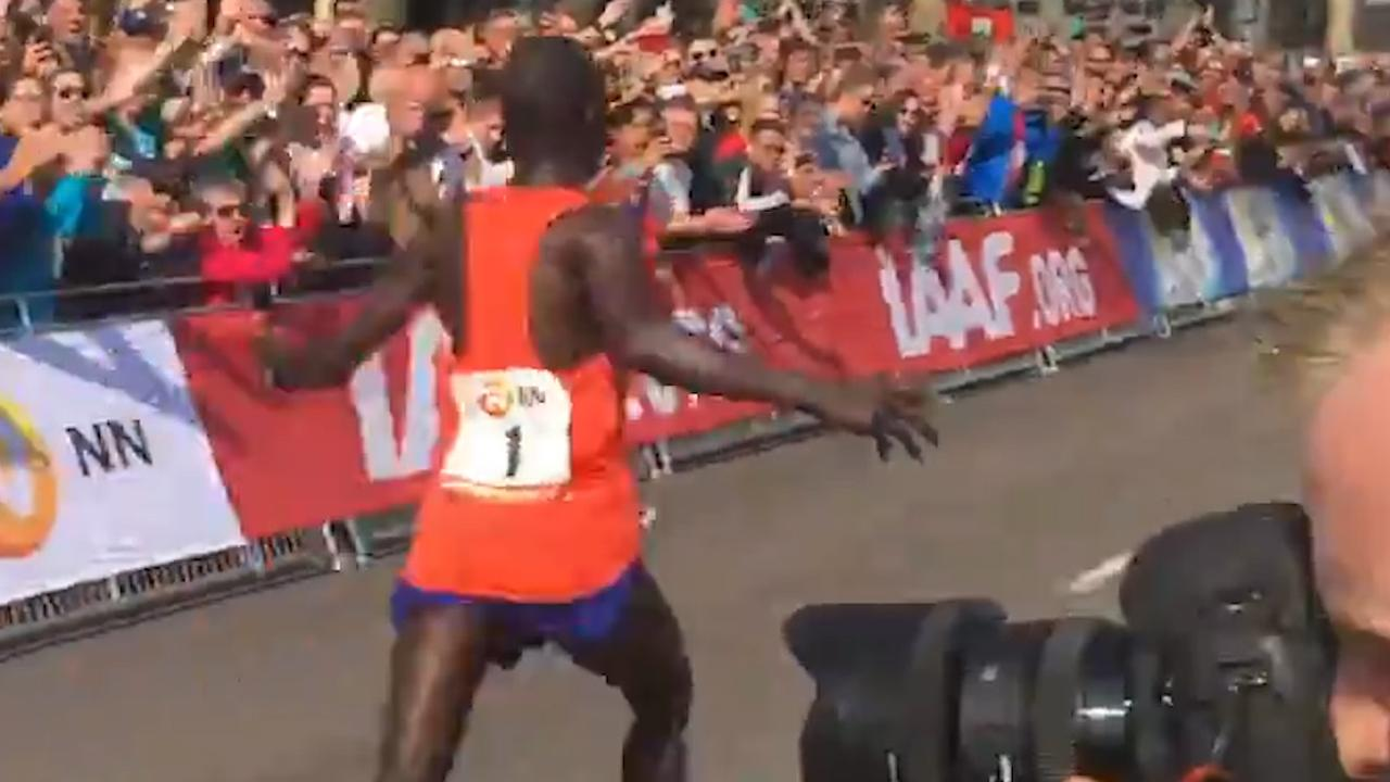 Kipserem wint met recordtijd Marathon Rotterdam