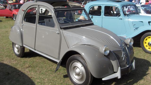 Citroën 2CV bestaat 70 jaar