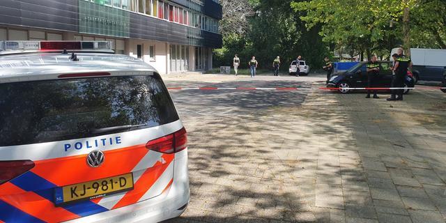 Politie deelt signalement van mannen die bezorger probeerden te beroven