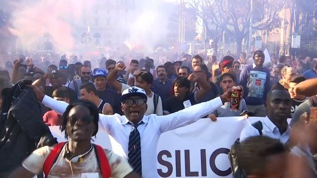 Duizenden mensen lopen protestmars in Rome tegen racisme