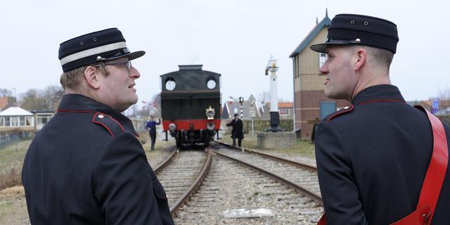 Muziekoptredens voor treinreizigers tijdens Kleinkunst op Stoom
