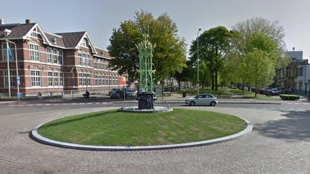 Vandalen vernielen pas gerestaureerde fontein in Bergen op Zoom