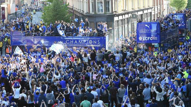 Fotoserie: Kwart miljoen fans bij huldiging Leicester City