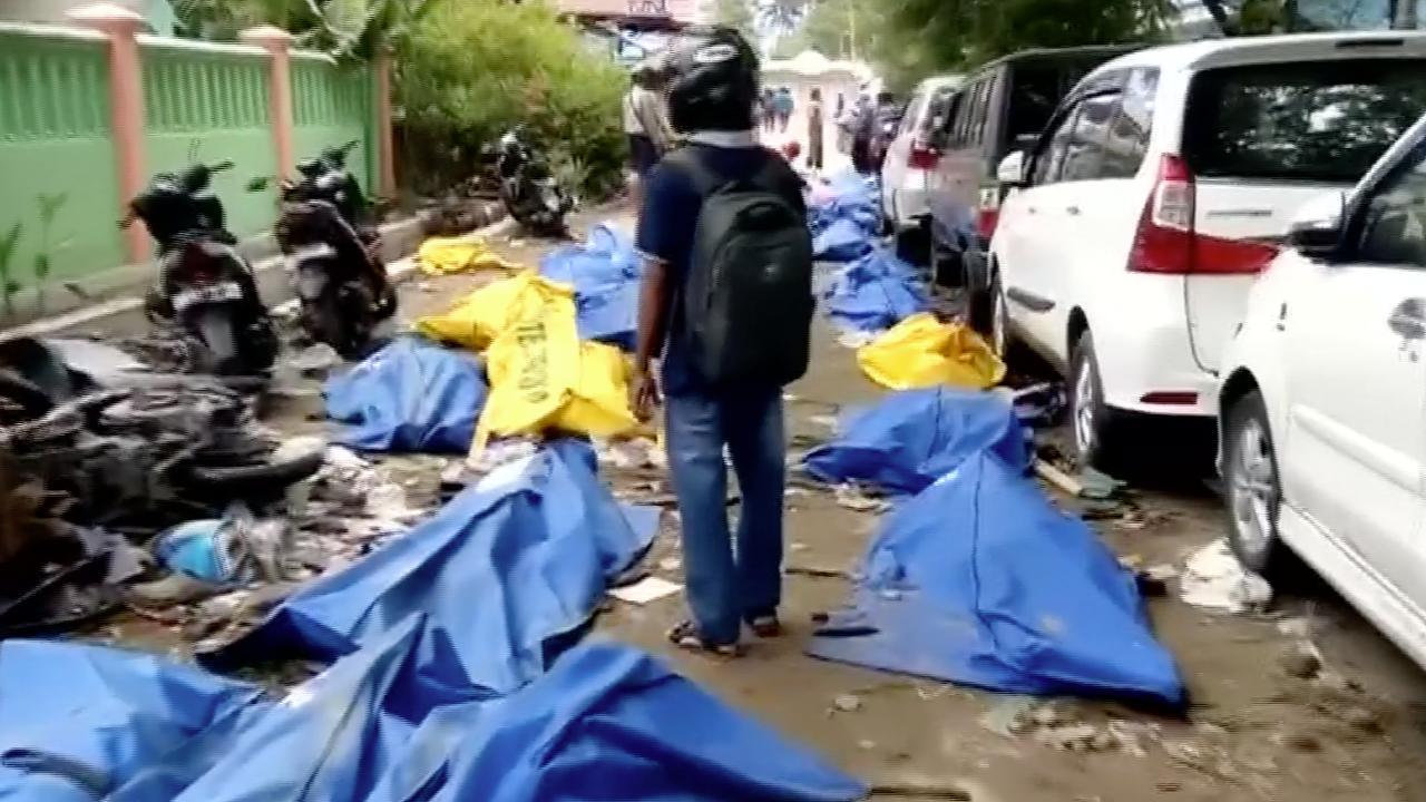 Enorme ravage na tsunami op Sulawesi