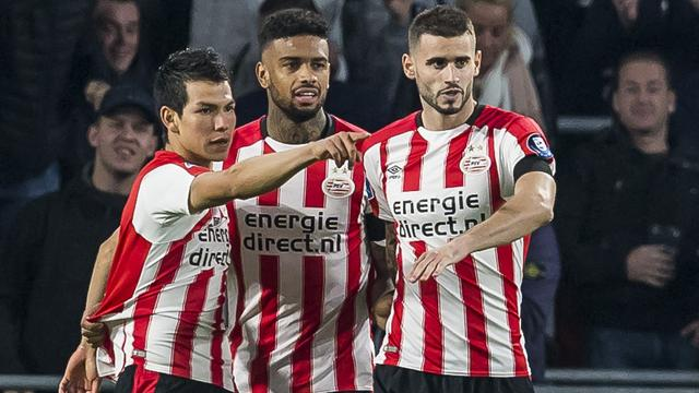 Koploper PSV in tweede helft met speels gemak langs Willem II